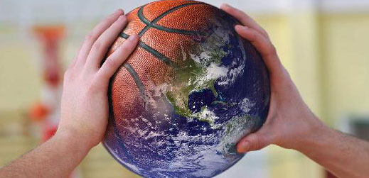 """El próximo jueves 22 de octubre, a las 17h, podremos seguir online este webinar en el que Ana Vallejo —Consultora experta en proyectos de gestión medioambiental y sostenibilidad para las organizaciones deportivas— nos hablará del """"Deporte por el Clima"""", un plan de acompañamiento a las organizaciones públicas y privadas que forman parte de la industria del deporte, para el cumplimiento de la Ley de Cambio Climático y Transición Energética, siendo menos contaminantes y más eficientes. Durante el webinar podremos conocer un caso práctico que nos presentará Diego Álvarez Belenchón, del Proyecto Zaragoza Deporte Sostenible."""